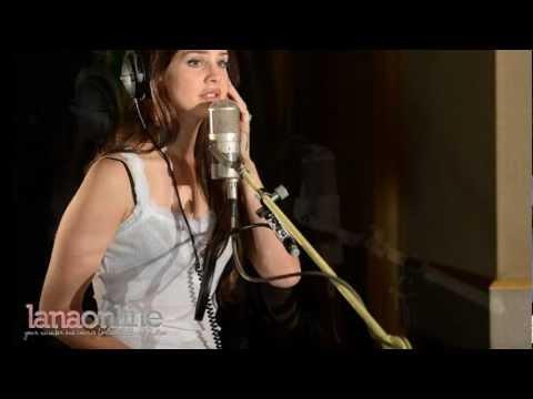 "Lana Del Rey - ""Blue Jeans"" - Live on BBC Radio 1's ""Live Lounge"""