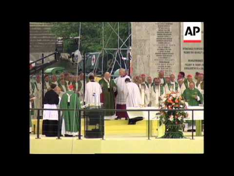 GERMANY: POPE JOHN PAUL II TOURS CITY OF BERLIN