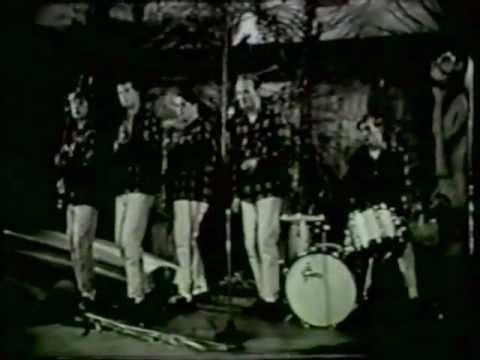 One Man's Challenge - Surfin' Safari Live 1962