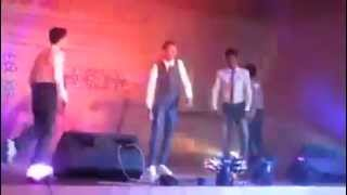 Blue Eyes Yo Yo Honey Singh perform by APBN School Boys