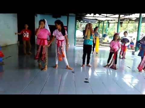 Latihan Tari Kipas Mandarin , sanggar Trisna Manggala Bekasi
