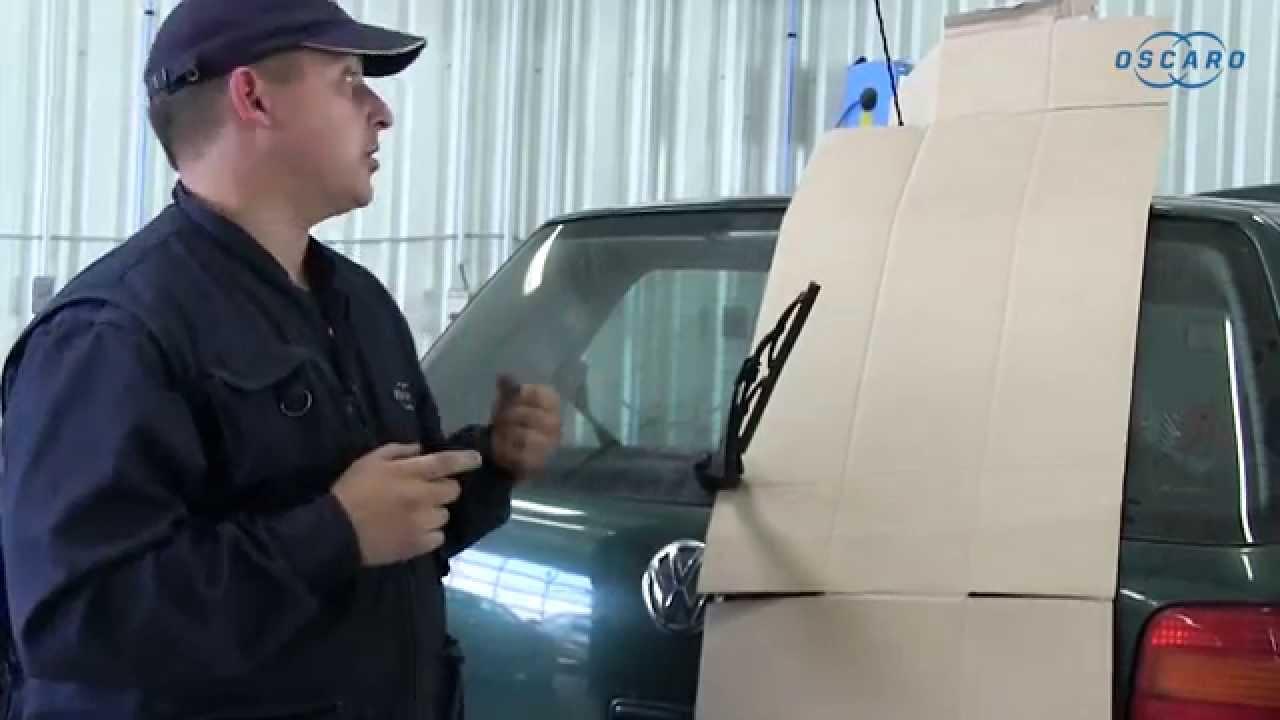 volkswagen golf iv remplacement du balai d 39 essuie glace arri re youtube. Black Bedroom Furniture Sets. Home Design Ideas