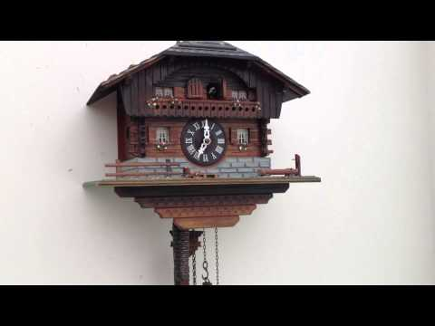 MUSICAL CUCKOO WALL CLOCK - CHALET GERMAN HOUSE STYLE