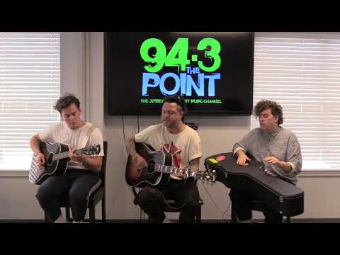 lovelytheband Performs 'Broken' on The Point Soundstage