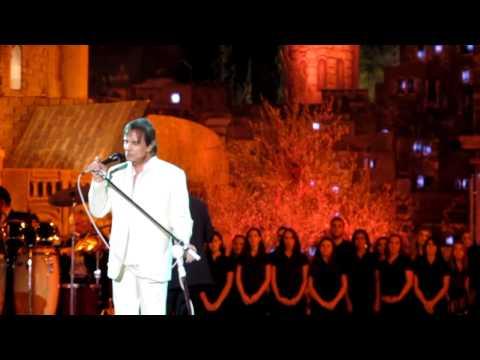 Bruno Astuto Mostra Roberto Carlos Cantando Em Hebraico