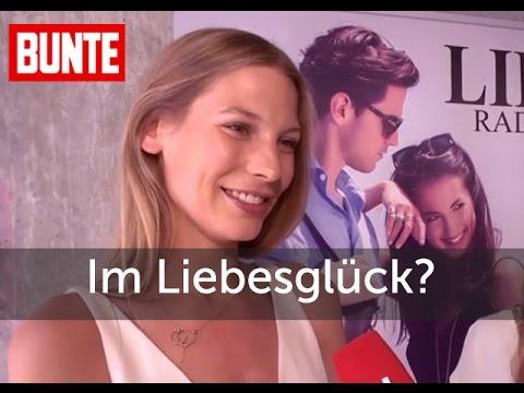Sarah Brandner im Liebesglück? - BUNTE TV