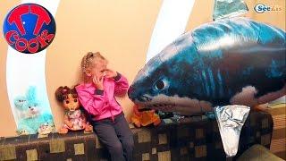 ✔ Летающая акула в комнате у Ярославы / Air Swimmers Remote Flying Fish shark / Video for kids ✔(Друзья! Смотрите сегодня новое видео, и вы увидите уникальную игрушку – Летающую акулу, которая оказалас..., 2015-12-30T07:36:28.000Z)