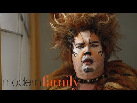 Modern Family Comes to USA Network Promos (HD)
