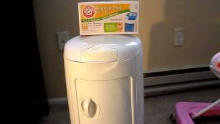 Product Review - Arm and Hammer Diaper Pail by Munchkin