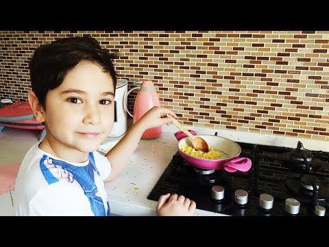 Kerem Mutfakta 1. Bölüm Yumurta Pişiriyoruz