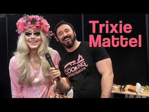"Trixie Mattel at the Buffet, on ""The Trixie & Katya Show"" - DragCon NYC 2017"