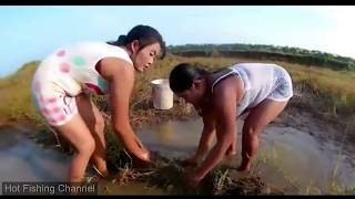 Amazing Girls Fishing at Battambang | Beautiful Girl Fishing | How To Catch Fish By Hand Part 25