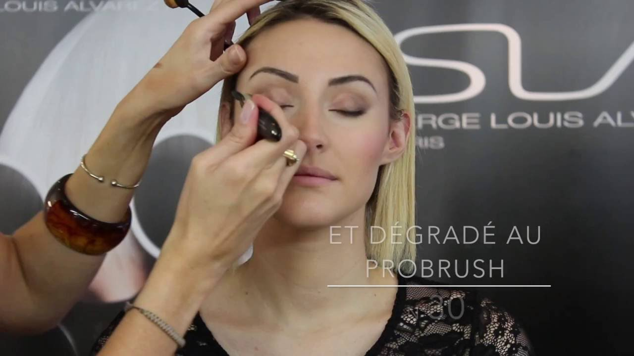 SLA Paris Cosmetics - How to use our ProBrush - Professional make up brush