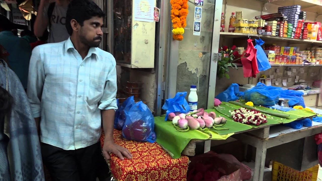 dubai an alleyway with indian shops youtube. Black Bedroom Furniture Sets. Home Design Ideas
