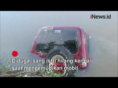 Mobil Pengantin Baru Masuk Jurang di Palembang