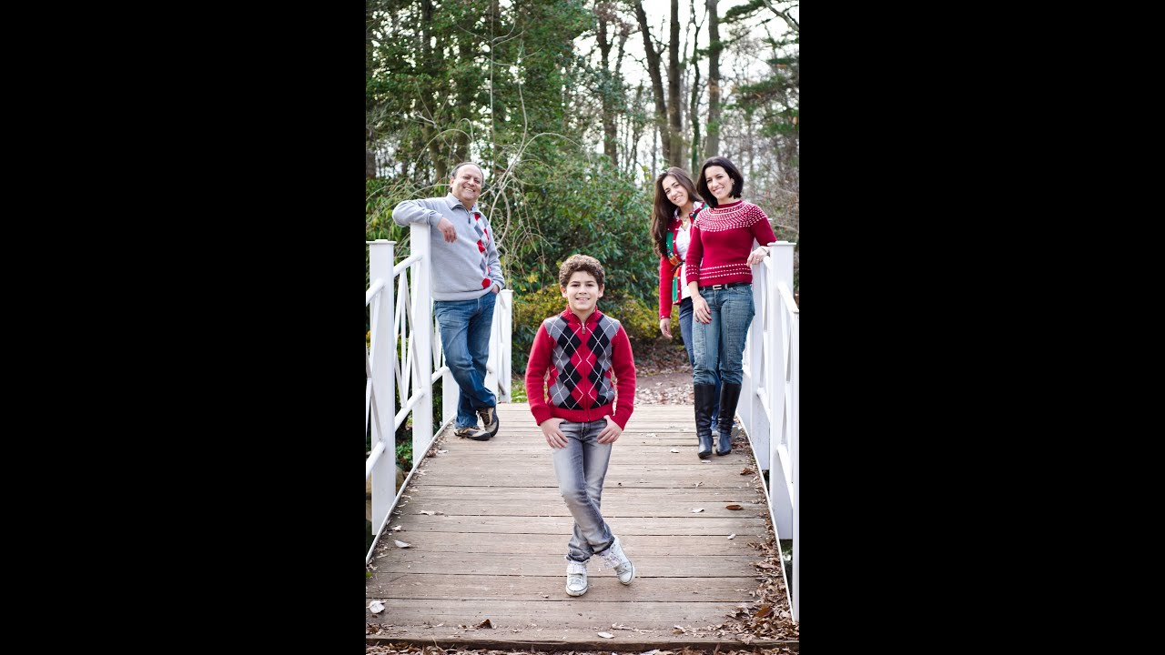 Group outdoor family portrait tutorial in natural light important group outdoor family portrait tutorial in natural light important tips in the end youtube mozeypictures Gallery
