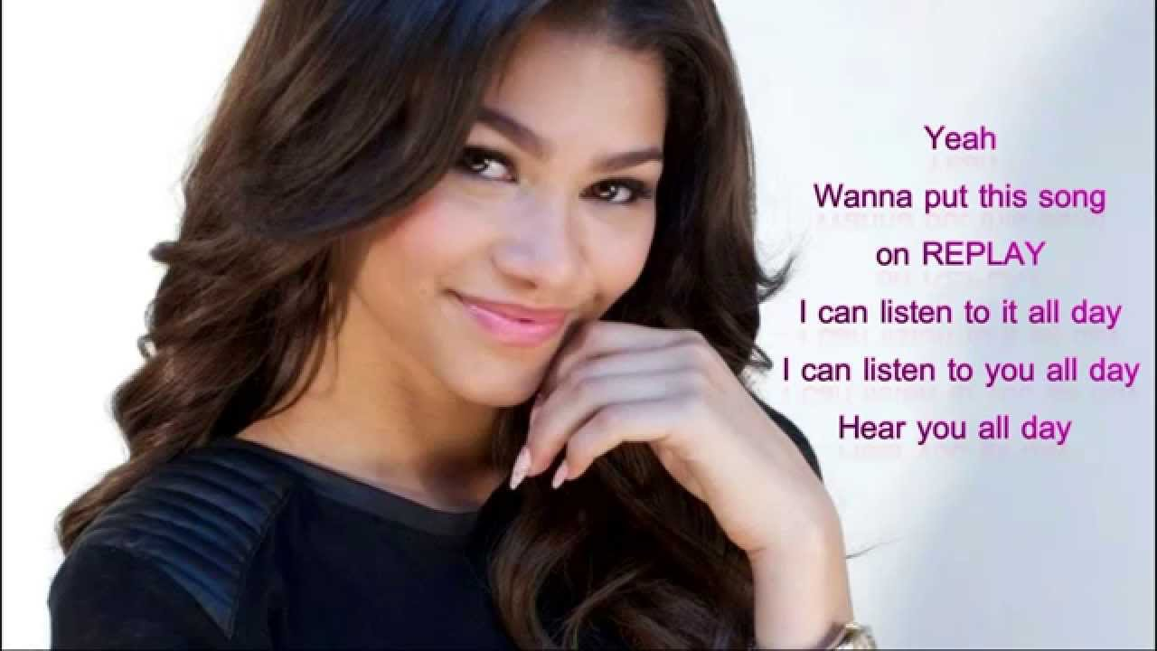 Looks - Replay zendaya hair video