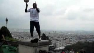 Потрясающие трюки с мячом