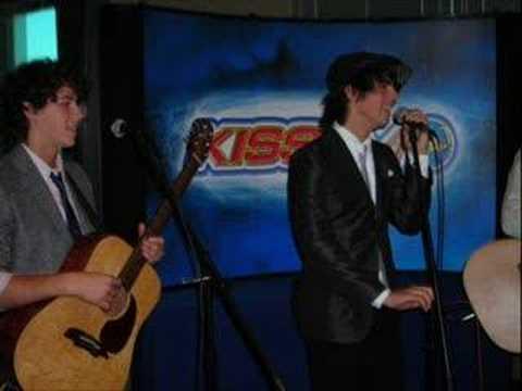 Jonas Brothers Year 3000  on Arizona Kiss FM