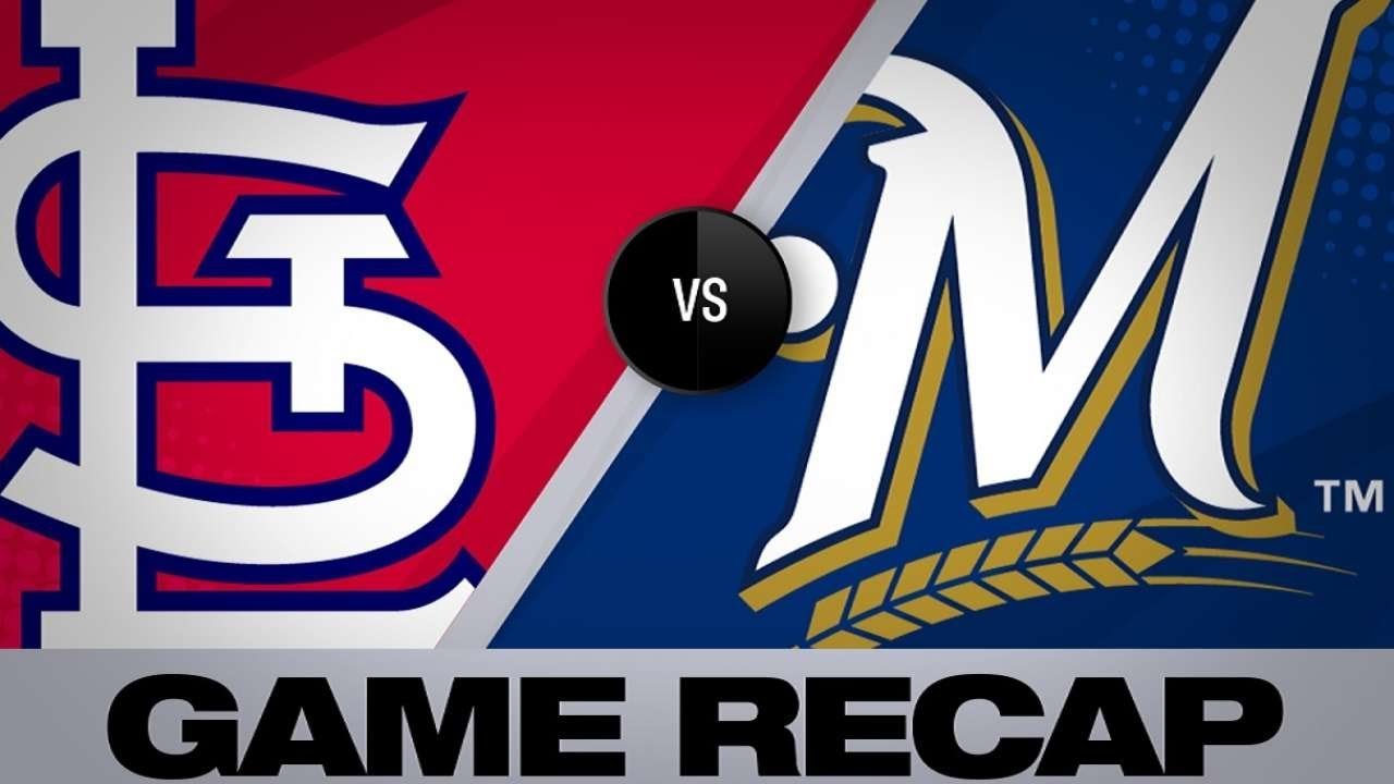 Yelich homers twice, Brewers top Phillies 11-3