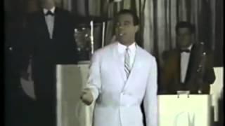 """""""Y Llorando me Dormí"""" canta Bobby Capó"""