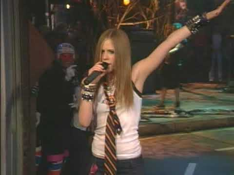 Avril Lavigne - Complicated (Live @ Much Music Video Awards 2002)