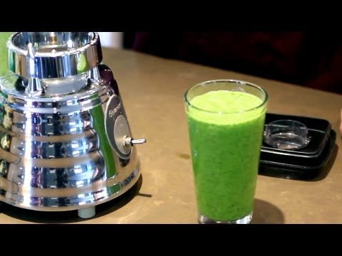 How to Make a Green Smoothie | Raw Food Diet