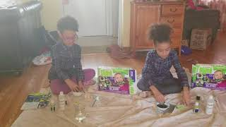 How to make Chalkboard slime with the AFRO TWINS