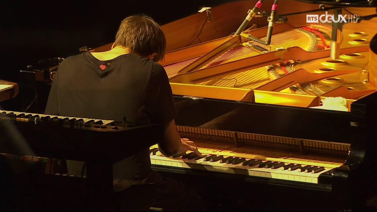 Montreux Jazz Festival 2015 >> Nils Frahm - 1 (Live at Montreux Jazz Festival 2015) - YouTube