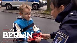 Ausflug mit dem Bobby-Car: Warum fährt Lukas (3) alleine herum? | Auf Streife - Berlin | SAT.1 TV