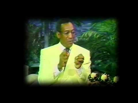 Bill Cosby on The Tonight ShowWith His Golden Raspberry Awards For Leonard Part 6