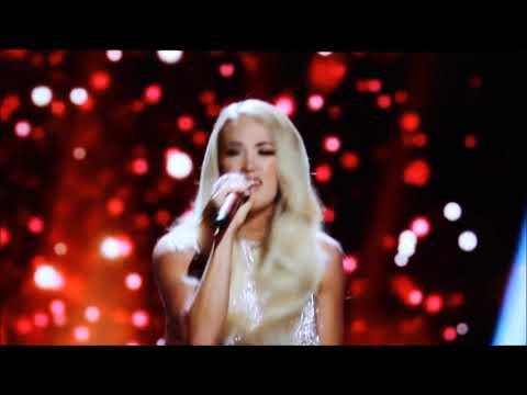 Смотреть клип Carrie Underwood - Favorite Time Of Year
