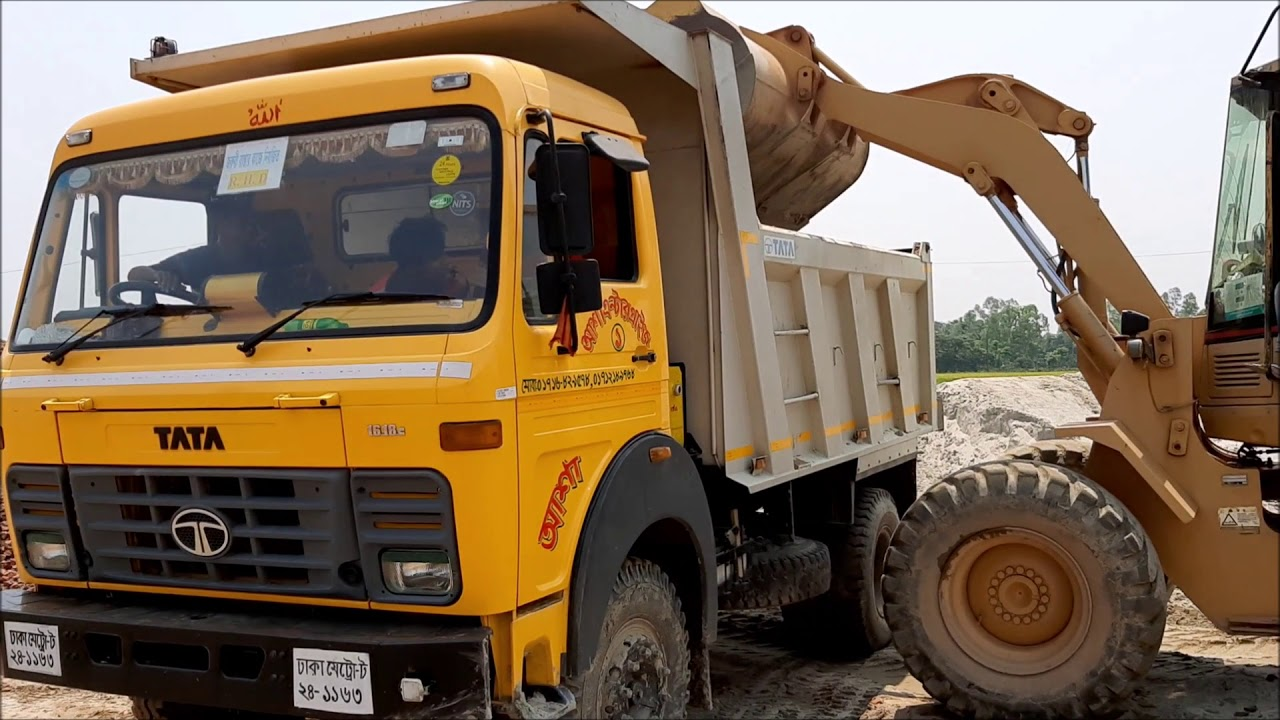 TATA 1618c Tipper Loading Sand by CAT 930 Wheel Loader II