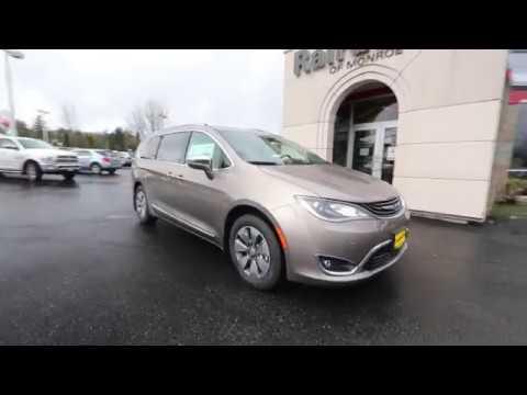 2018 Chrysler Pacifica Hybrid Limited | Molten Silver | JR169547 | Everett | Snohomish |