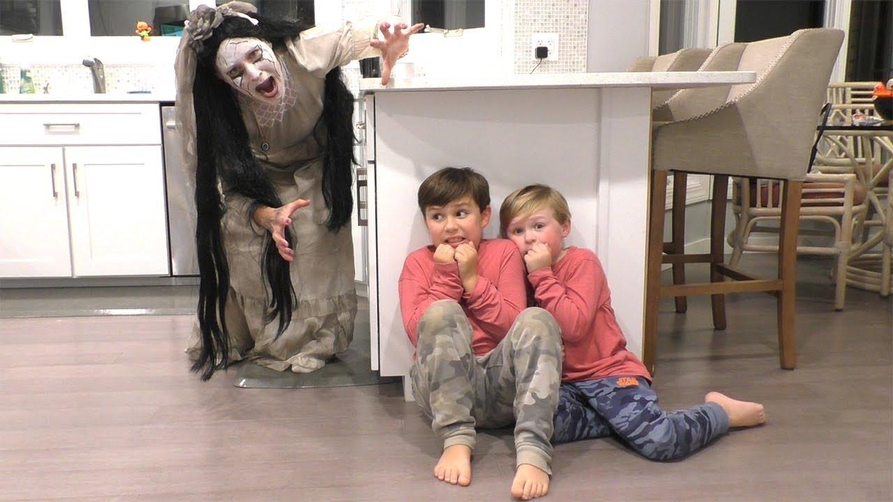 Download La Llorona Movie Scary Weeping Woman at 3AM