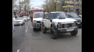 Немецкий автомобиль серьезно поврежден в аварии в Хабаровске. MestoproTV