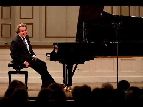 Rudolf Buchbinder plays Beethoven Piano Sonatas  Vol 1