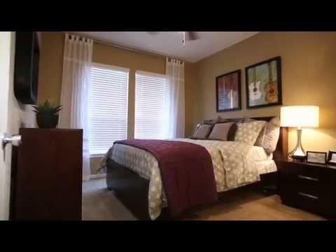 Turtle Creek Apartment Tour - San Antonio