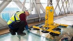 Installing Tower Bridge's Glass Floor