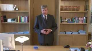 Minister Opstelten reageert op Big Brother Award