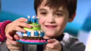 Пластилин Play Doh Фабрика тортиков(Купить можно здесь: http://www.toysfest.ru/product/19781/ Удовольствие будет расти на глазах по мере того, как вы будете