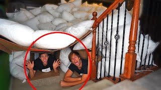 UNDERGROUND BOX FORT MANSION in 1000 PILLOWS!
