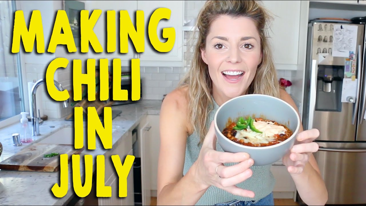 MAKING CHILI IN JULY // Grace Helbig