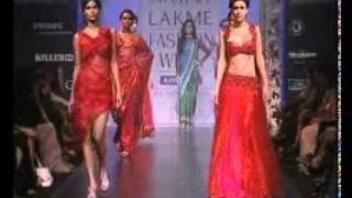 Femina Miss India Earth 2010 Nicole Faria @ Satya Paul Show