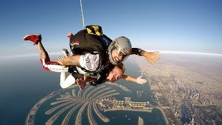 Amira + Issam = Proposal at Skydive Dubai Tandem Jump 13.000feet (4.000m)