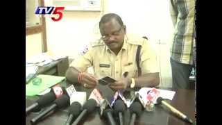 Fake Crime Reporters with ID Cards Busted - Khammam : TV5 News