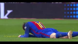 Lionel messi injured while playing barcelona vs real madrid , 2017/4/23