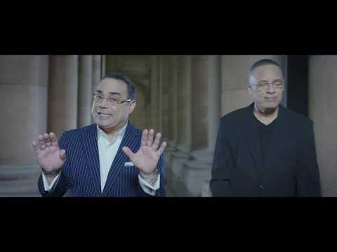 Issac Delgado ft. Gilberto Santa Rosa - El Que Siempre Soñó (Official Music Video)