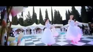 Крым: свадьба дочери экс-министра Денисовой