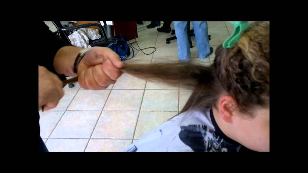 piastra per capelli in titanio super professionale - YouTube a1f39e671d72